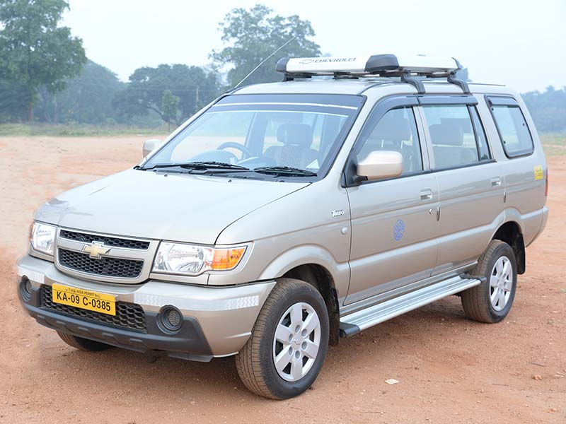 Chevrolet Tavera Car rental in Mysore